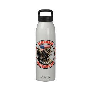 Rappelez-vous le jour de vétérans bouteille d'eau réutilisable