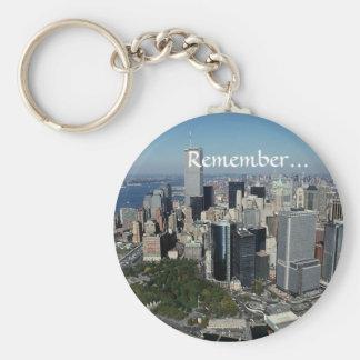 Rappelez-vous les Tours jumelles View~ WTC NYC Man Porte-clé Rond