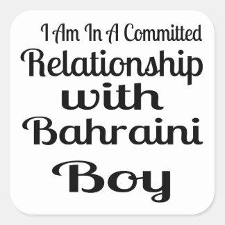 Rapport avec le garçon bahreinite sticker carré