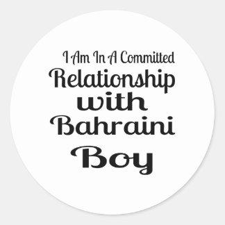 Rapport avec le garçon bahreinite sticker rond