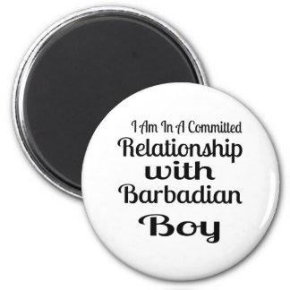 Rapport avec le garçon barbadien aimant