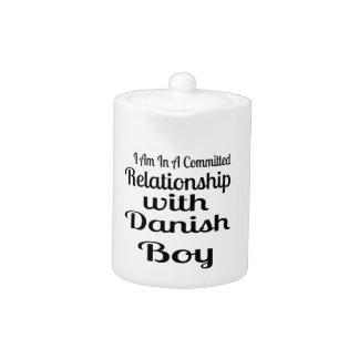 Rapport avec le garçon danois