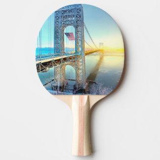 Raquette De Ping Pong Fort se reliant Lee NJ et Manhattan NYPlus de GWB