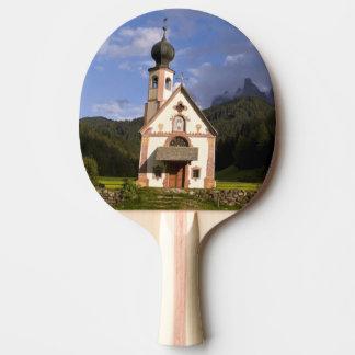 Raquette De Ping Pong La belle église isolée d'isolement a appelé Rainui