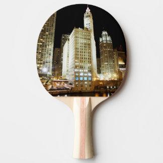 Raquette De Ping Pong Point de repère célèbre de Chicago la nuit