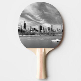 Raquette De Ping Pong Vue panoramique d'horizon de Chicago en hiver