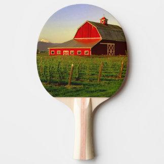 Raquette Tennis De Table Le soleil de soirée sur une grange dans Skagit de