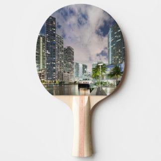 Raquette Tennis De Table Tours lumineuses au bord de mer de rivière de