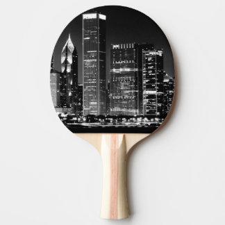 Raquette Tennis De Table Vue de nuit du paysage urbain célèbre de Chicago