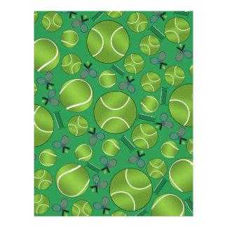 Raquettes et filets verts de balles de tennis prospectus personnalisés