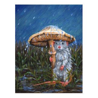 Rat sous la carte postale de champignon