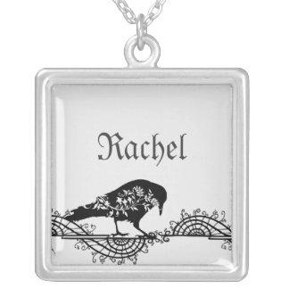 Raven noir et blanc gothique élégant collier