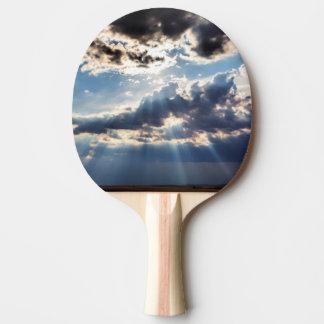 Rayons de soleil d'en haut raquette tennis de table