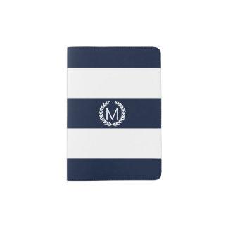 Rayure bleue et blanche avec le monogramme de protège-passeport