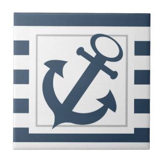 Rayures bleues nautiques avec l'ancre carreau