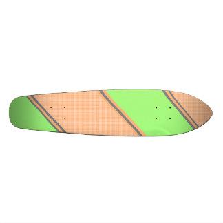 Rayures diagonales oranges vertes modernes skateoard personnalisé