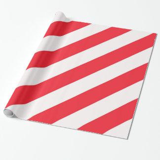 Rayures diagonales rouges et blanches de sucre de papiers cadeaux noël