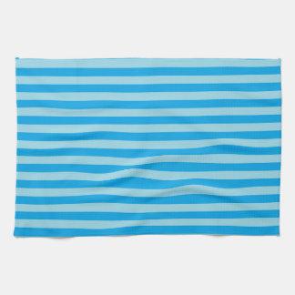Rayures en pastel de bleu et de turquoise serviette éponge