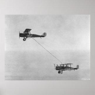 Réapprovisionnement en combustible en 1923 posters