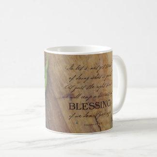 Récolte de tasse de bénédiction