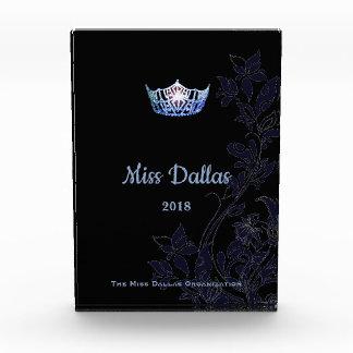 Récompense acrylique de couronne bleue florale de