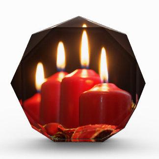 Récompense Les bougies rouges d'un avènement tressent avec