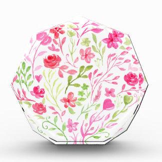 Récompenses En Acrylique Coeur floral rose d'aquarelle