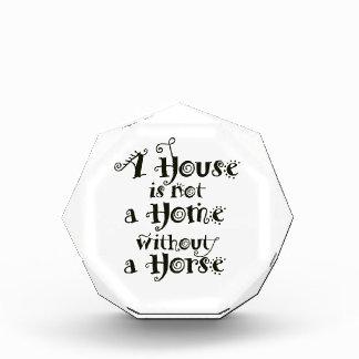 Récompenses En Acrylique Une Chambre sans cheval