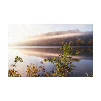 Réflexion barrée par brouillard - choisissez la toile