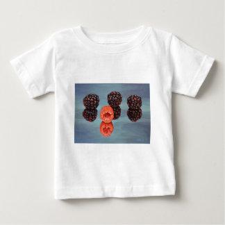 Réflexion de framboise t-shirt pour bébé