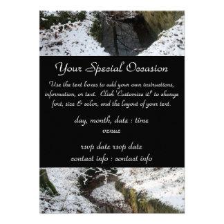 Réflexion de l eau de forêt d hiver invitations personnalisées