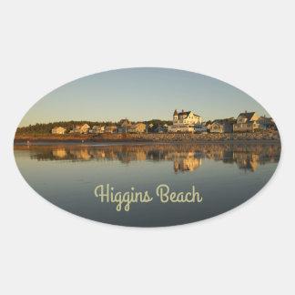 Réflexion de matin de plage de Higgins Sticker Ovale