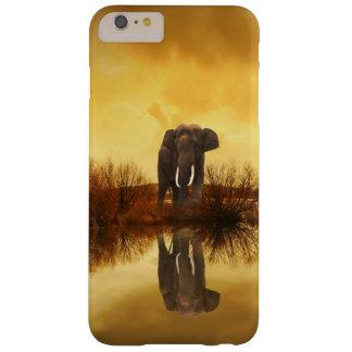 Réflexion d'éléphant au coque iphone de coucher du