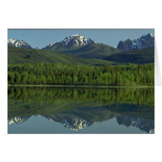 Réflexion des montagnes en lambeaux de gamme, cartes