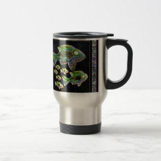Réflexion lumineuse : Poissons dans la lumière d'i Mug À Café