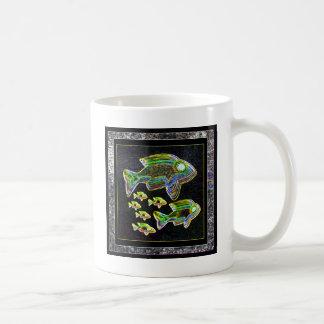 Réflexion lumineuse : Poissons dans la lumière d'i Mugs À Café