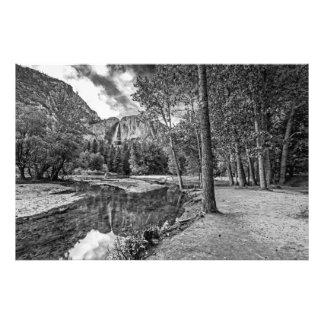 Réflexions de Yosemite Falls (noir et blanc) Photo D'art