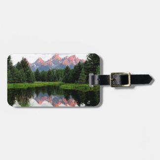 Réflexions grandes de Teton au-dessus de l'étang d Étiquette Pour Bagages