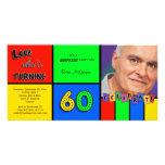 Regard coloré Whos tournant l'invitation de 60 ann Photocarte Customisée