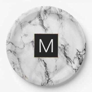 regard de marbre noir et blanc de monogramme assiettes en papier