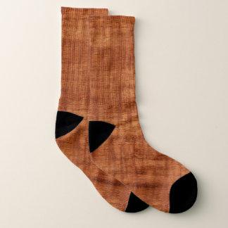 Regard du bois de grain d'acacia bouclé