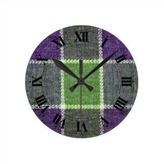 Regard vert et pourpre de laine de plaid avec des horloge ronde