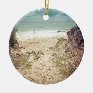 Regardez à la mer ornement rond en céramique
