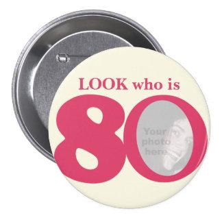 Regardez qui est bouton/insigne de crème de rose badges