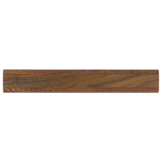 Règle en bois faite sur commande
