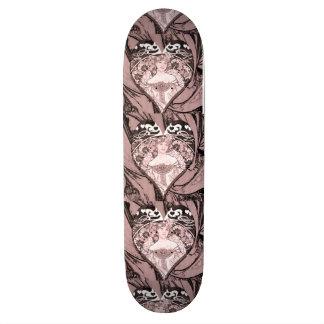 Reine des coeurs skateboard customisable