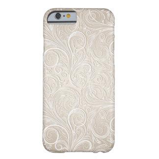 Remous floraux crème et d'or de Paisley Coque Barely There iPhone 6