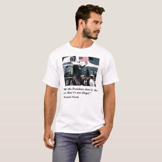 Renaissance de Nixon d'atout T-shirt