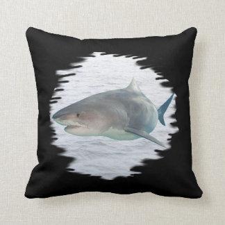 Requin dans le coussin de MoJo d'Américain de