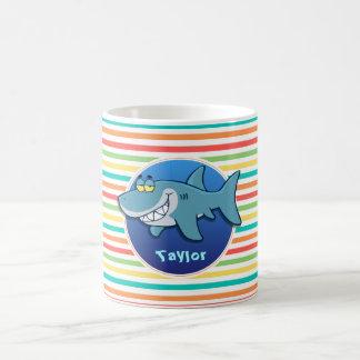 Requin ; Rayures lumineuses d'arc-en-ciel Mug